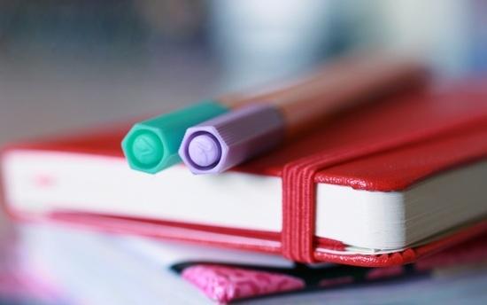 Блокнот для записей и карандаш