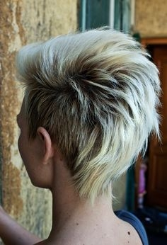 Стрижки женские на короткие волосы