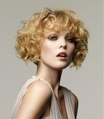 Короткие стрижки для вьющихся волос