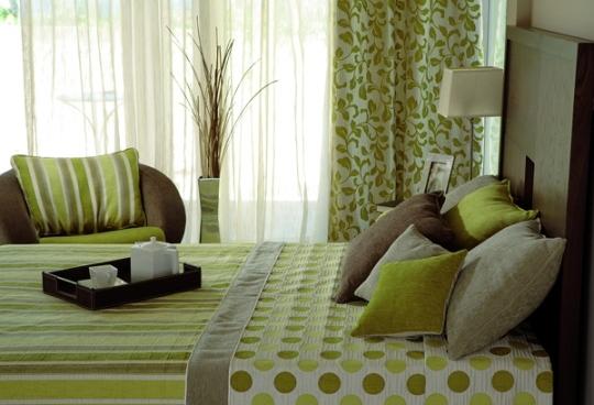 Зелёный и коричневый в интерьере