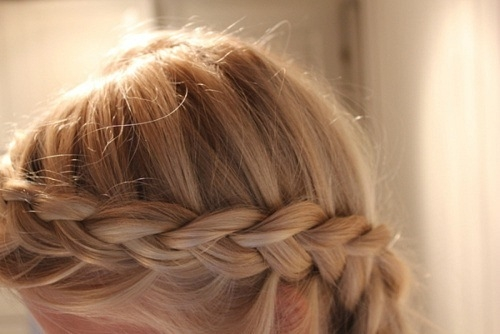 французская коса перевёрнутая