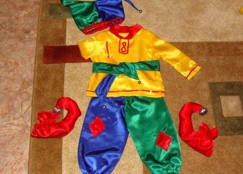 Как сделать костюм петрушки своими руками в