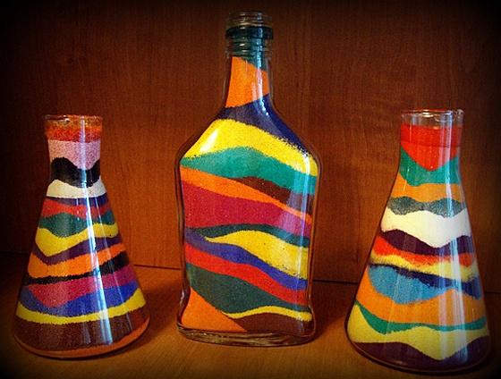 Украшения новогодних бутылок солью