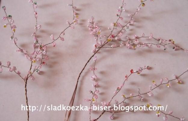 Плетение деревьев из бисера: цветущая яблоня