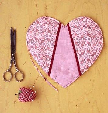 Как сшить красивые прихватки в виде сердца?