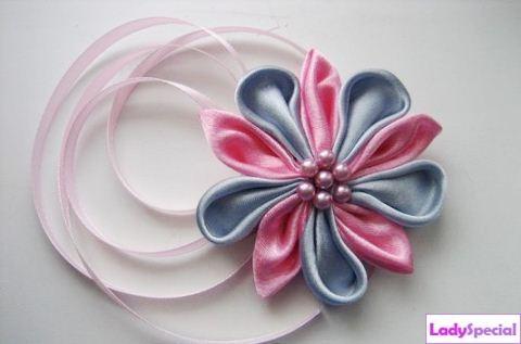 Цветы из лент канзаши