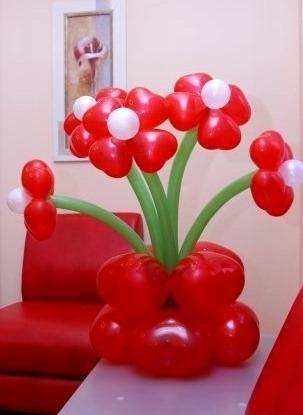 Цветы из воздушных шаров с 4 лепестками