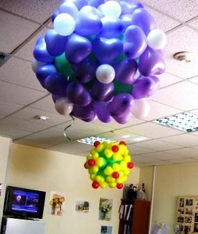 Цветочная люстра из воздушных шаров