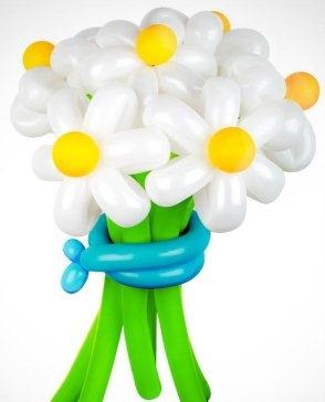 Ромашка из воздушных шаров своими руками