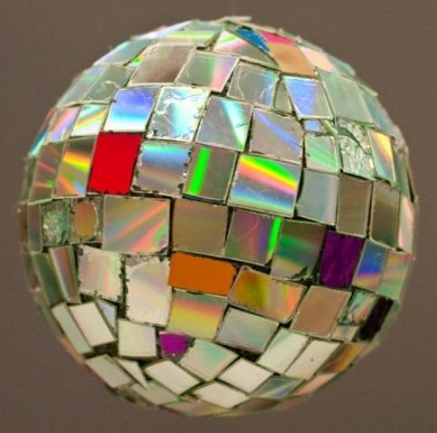 Как сделать диско шар своими руками из дисков в домашних условиях