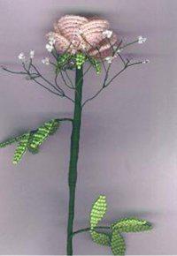 Красивый цветок из бисера для начинающих