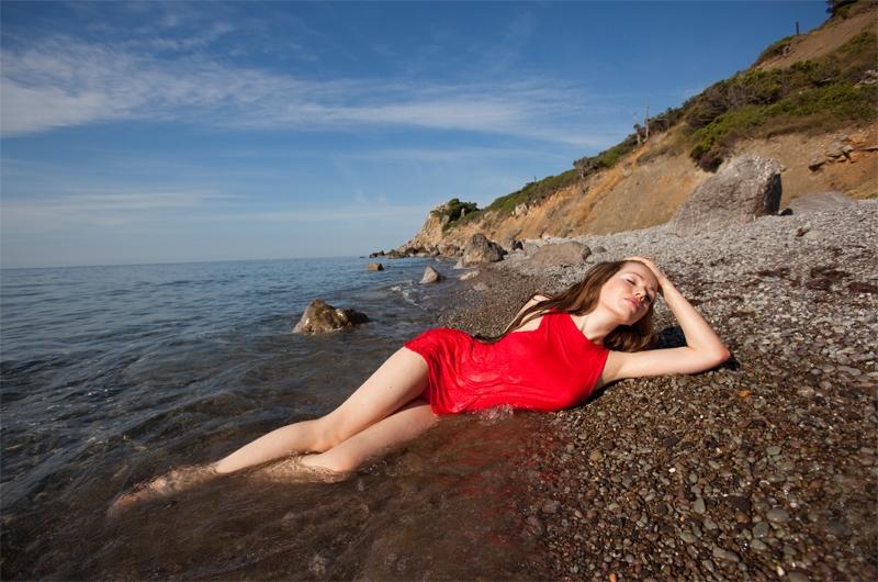 Идеи для фото для девушек на море