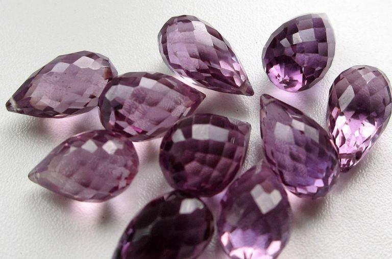Драгоценный камень александрит фото