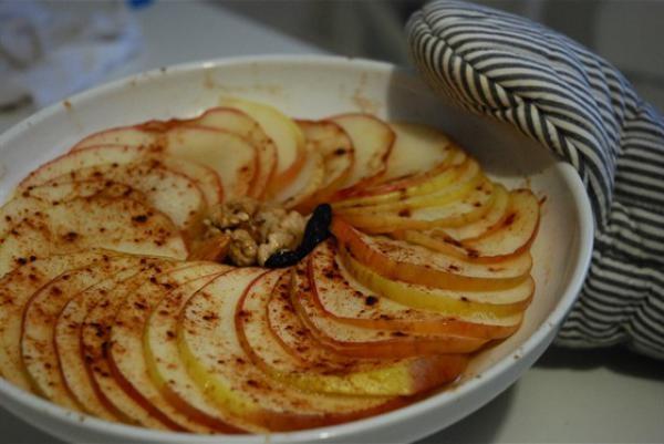 Сколько запекать яблоки в микроволновке?