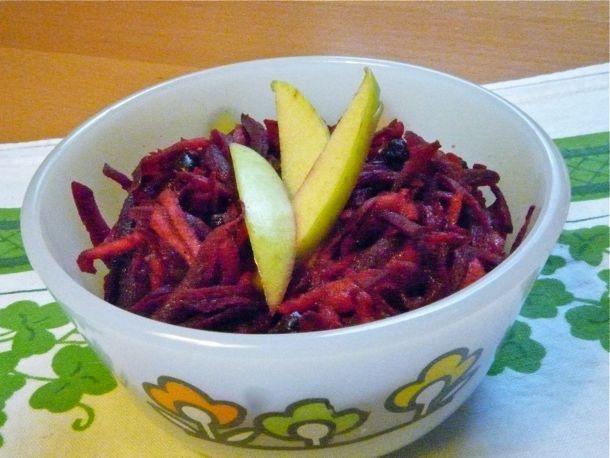 Как приготовить салат из свеклы с яблоком?
