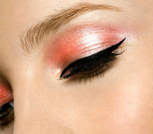 What is the best eye makeup