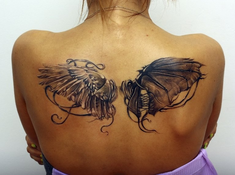 Крылья тату на спине для девушек
