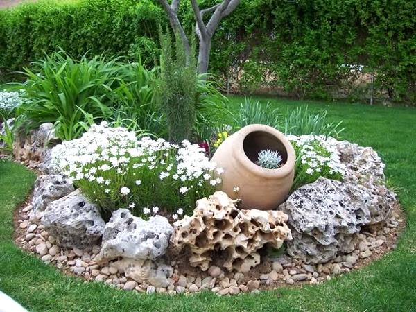 Garten mit steinen dekorieren