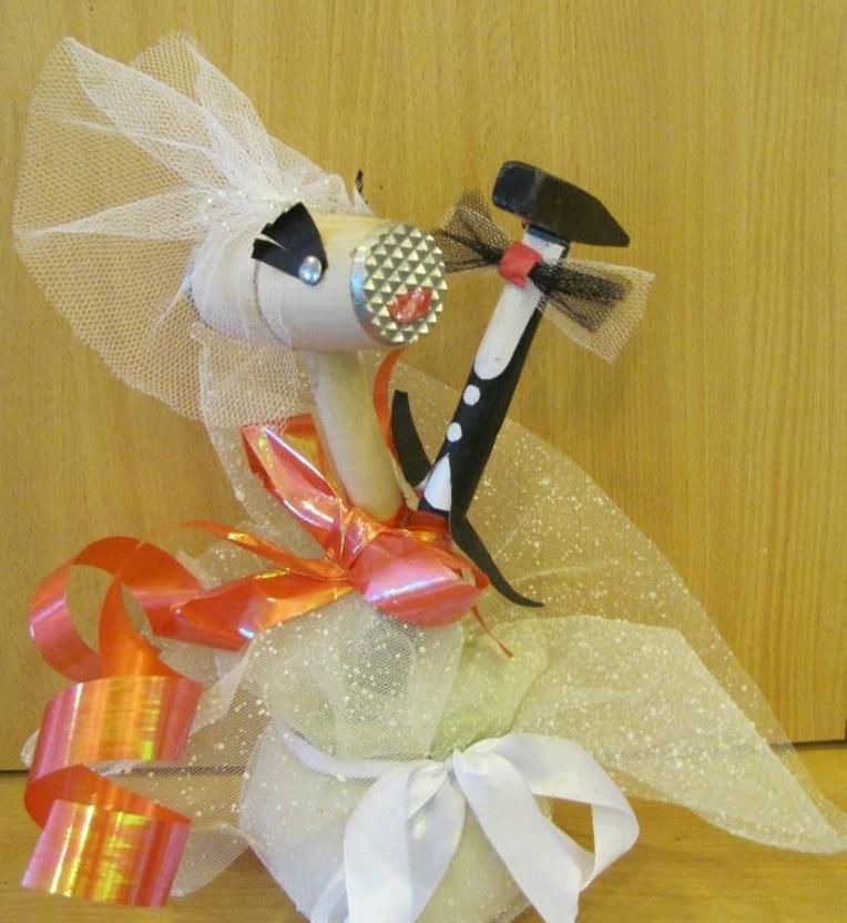 Подарок для молодоженов на свадьбу своими руками 2