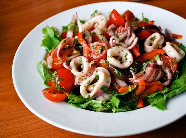 Салат из кальмаров: постный рецепт