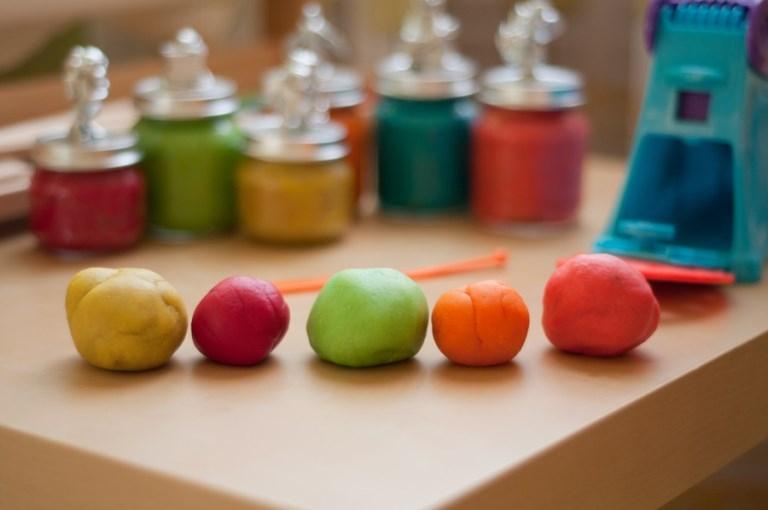 Как приготовить пластилин в домашних условиях. Для детей