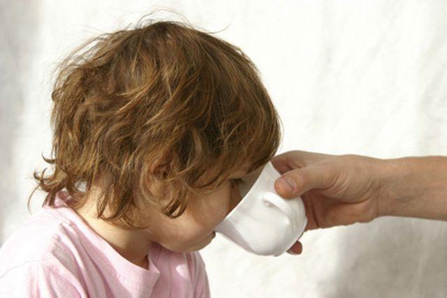 У ребенка рвота: что делать? Причины и лечение рвоты у детей LS