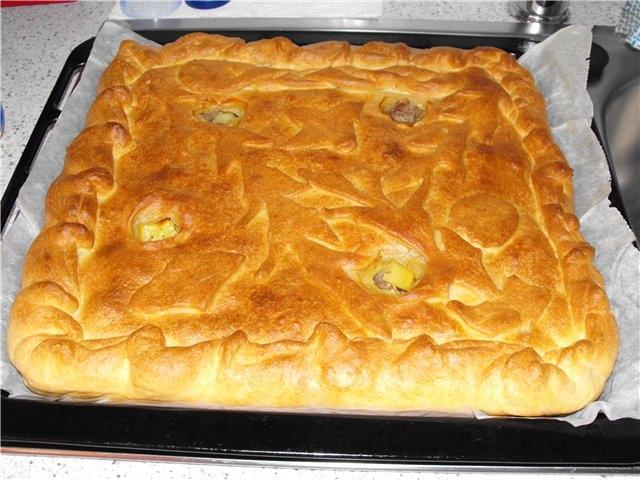 Пирог мясо с картошкой