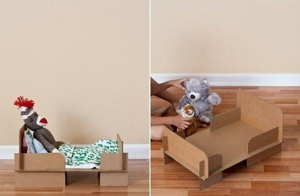 Кровать для куклы из коробки: как сделать?