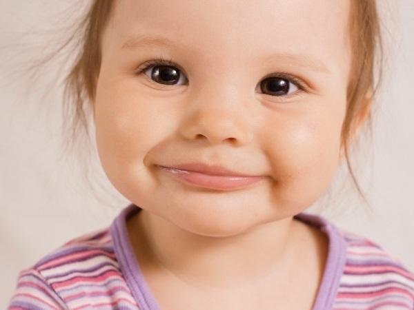 На каком месяце у новорожденных меняется цвет глаз