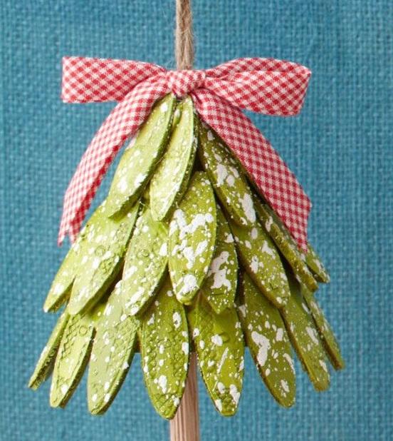 Как сделать новогоднюю мишуру своими руками из