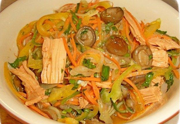 салат из редьки и колбасы рецепты
