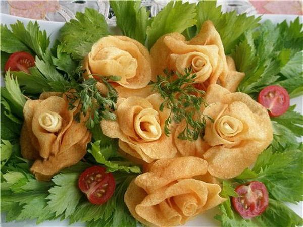 Как украсить салат оригинально?
