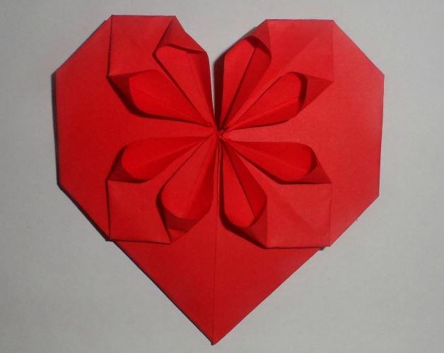 Оригами сердце с цветком