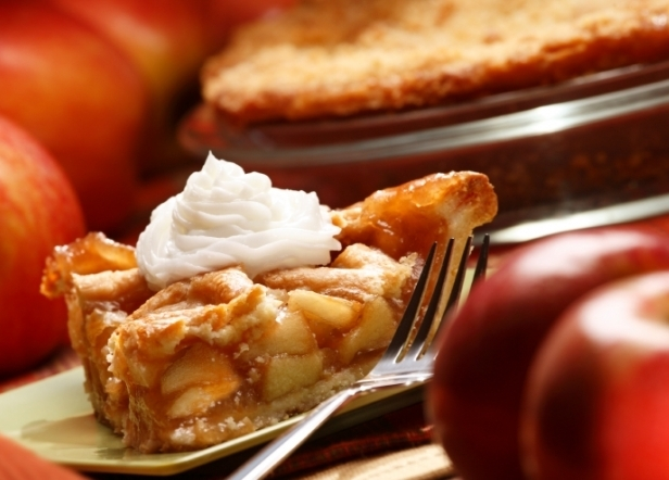 яблочный пирог в мультиварке из слоеного теста