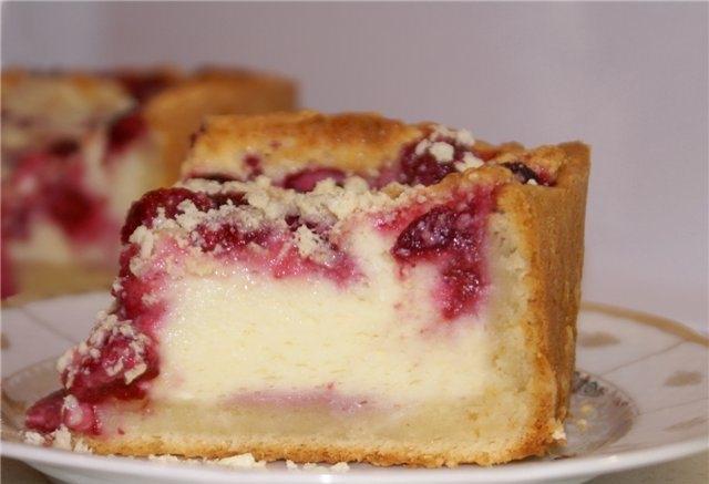 Как приготовить пирог с малиной и творогом?