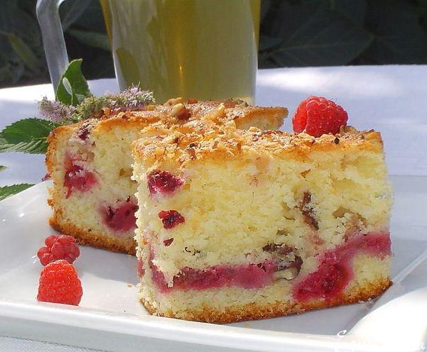 Малиновый пирог в мультиварке: рецепт