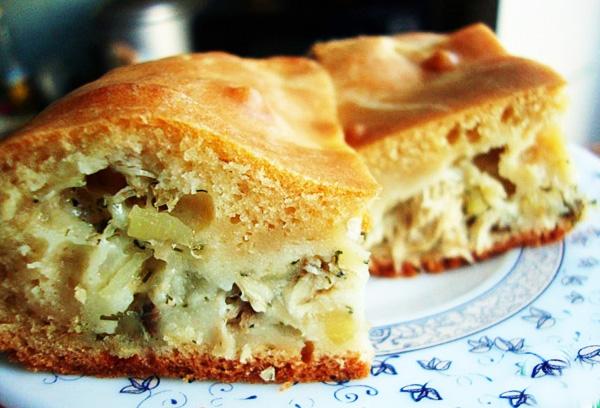Заливной пирог с капустой на кефире сметане
