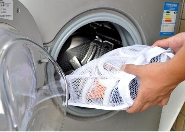 Как стирать кроссовки в стиральной машине? Как стирать замшевые кроссовки: советы, LS