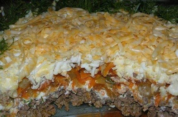 рецепт салата слоёного скуриной печенью