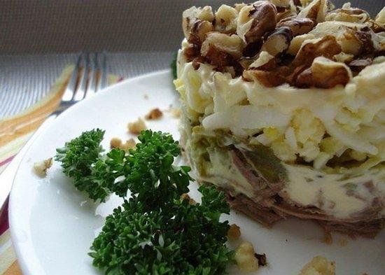 Салат мужской каприз с говядиной: рецепты