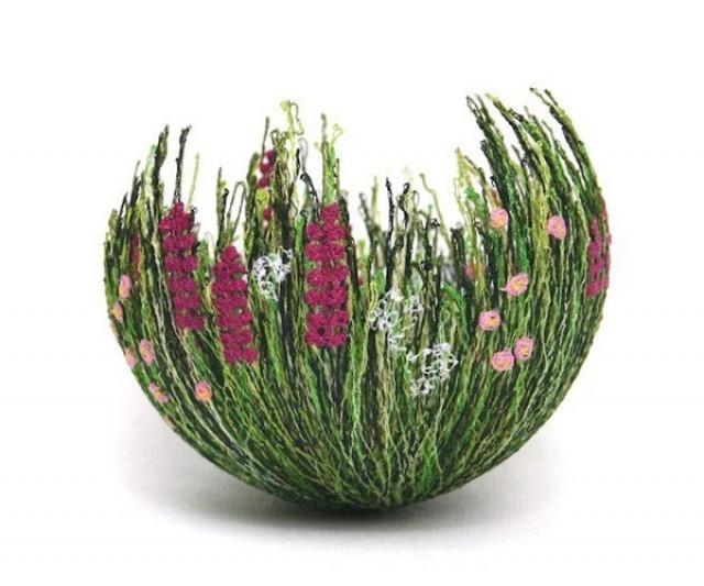 Поделки из шерстяных ниток и клея: ваза