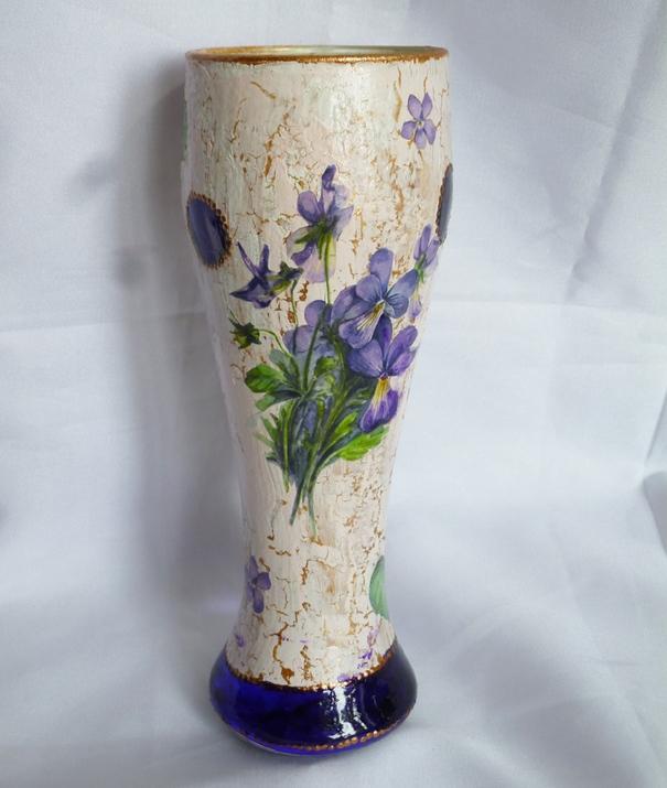 Глиняная ваза для цветов