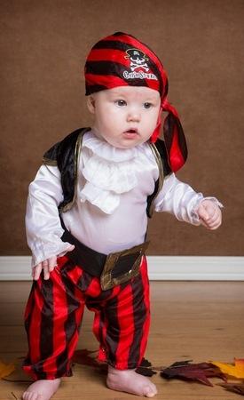 Костюм пирата своими руками для малыша