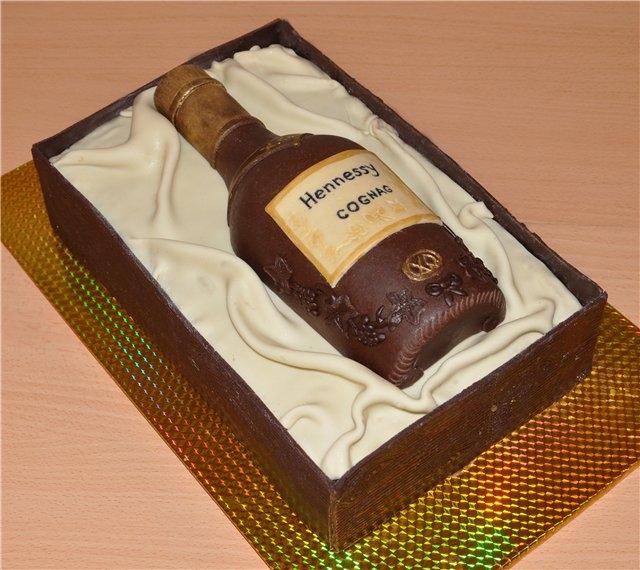Оформление торта для мужчины: бутылка
