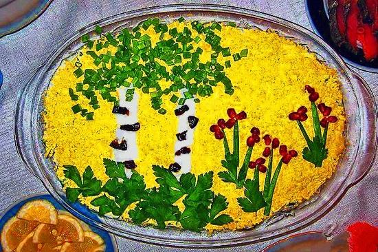 Салат украшенный - пейзаж, березы