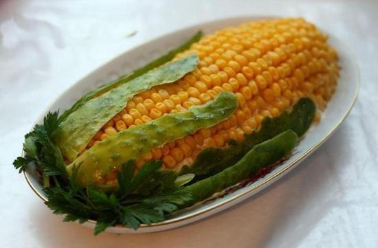 Салат украшенный - кукуруза