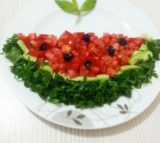Салат украшенный - арбуз