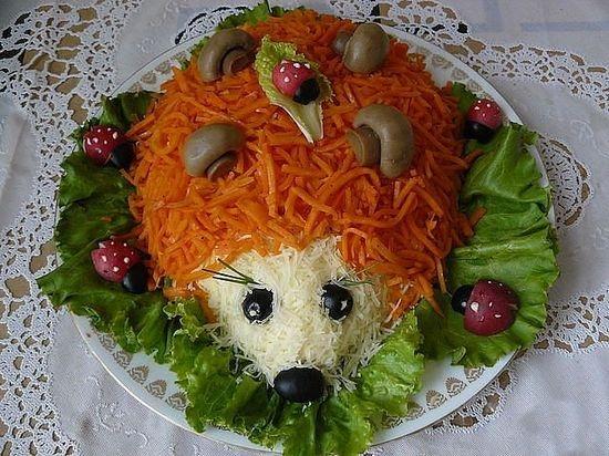 Салат украшенный - ежик
