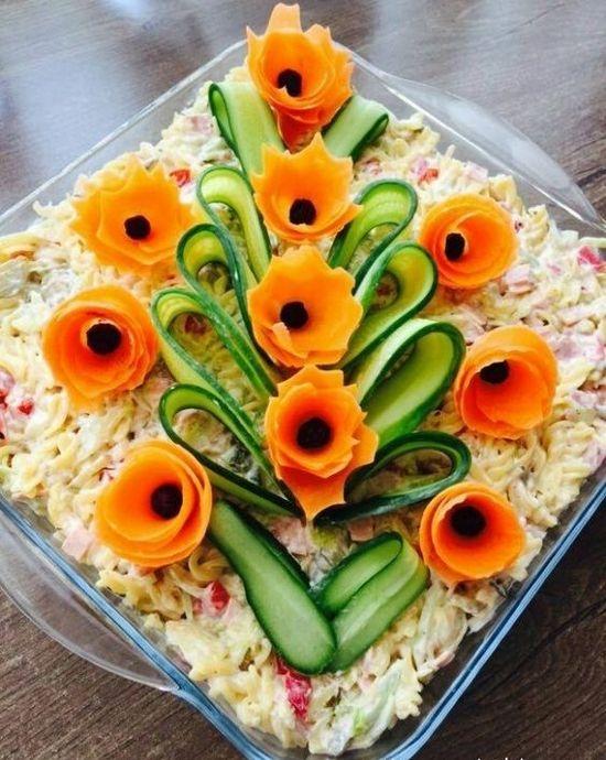 Салат украшенный