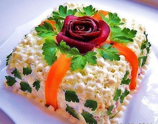 Салат украшенный - подарок
